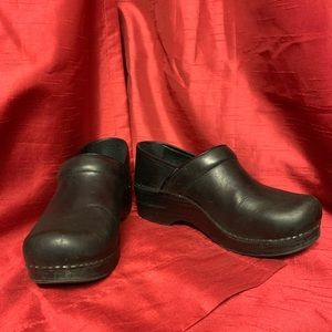 "Dansko Black ""Professional Oiled""Shoes Size 38 (8)"